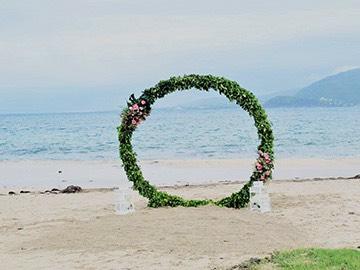 circular floral alter